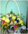 15 роз разных цветов, 9 кустовых гвоздик, 5 кустовых хризантем, зелень